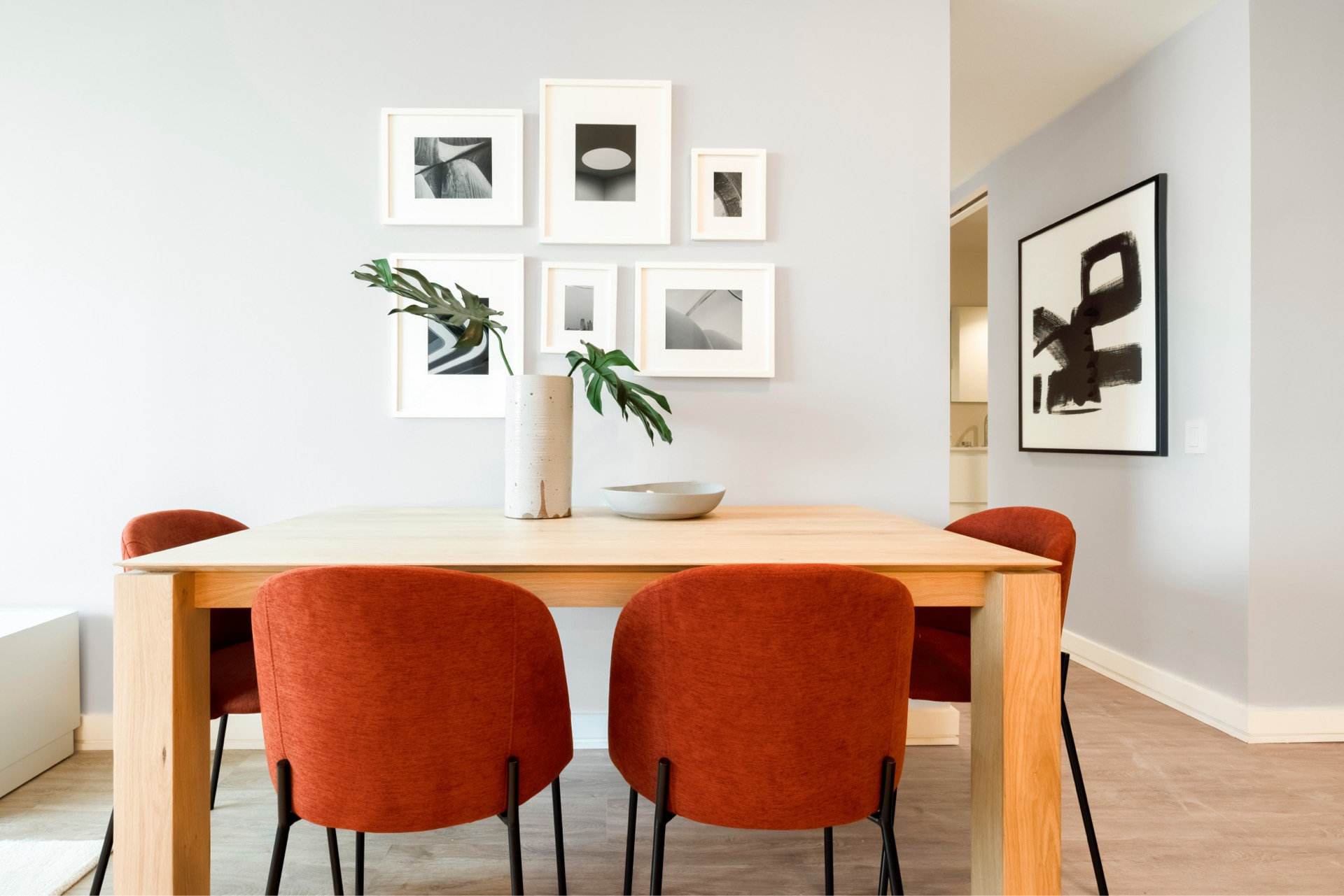 Plenty of space for a dining table